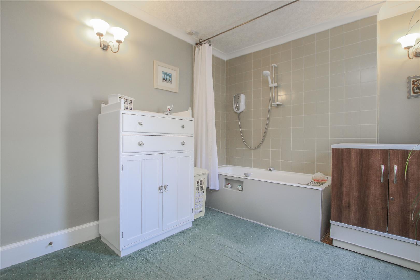 3 Bedroom Mid Terrace House For Sale - 22.JPG